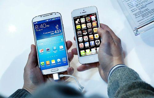Günün Sorusu: Galaxy S4 mü iPhone 5 mi?