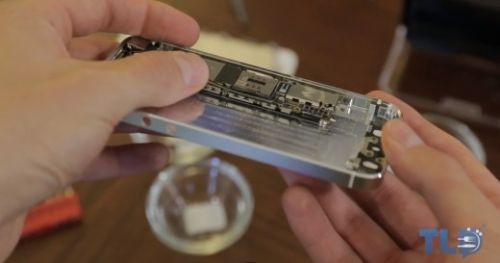 iPhone 5'in parçaları iPhone 5S'in içinde! Video
