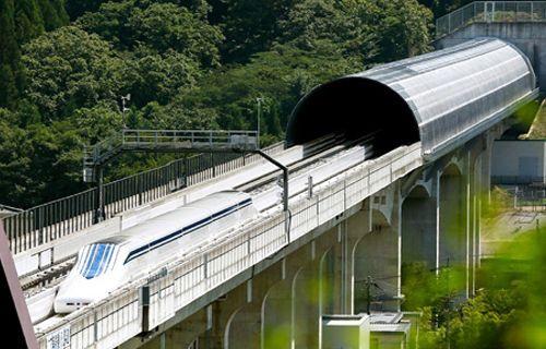 İşte dünyanın en hızlı treni: 500 km hıza sahip! Video