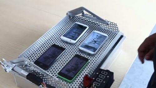 En sağlam hangisi? iPhone 5S, Moto X, Galaxy S4 ve iPhone 5C
