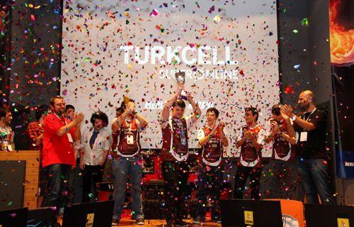 Turkcell'den ışık hızında büyük rekor