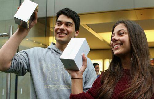ABD'ye gidip iPhone 5S alıp gelmek daha ucuz!