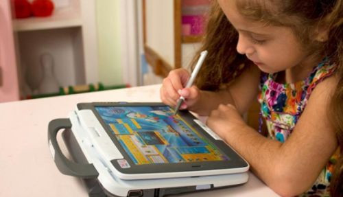 Çocukların tablet kullanımı gün geçtikçe artıyor