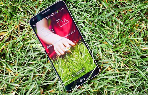 LG'nin esnek ekranlı akıllı telefonu ne kadar sağlam? Video