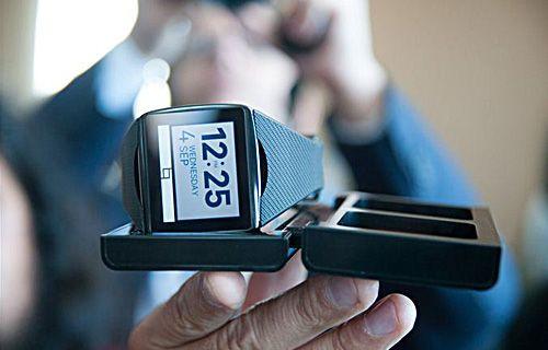 Qualcomm, akıllı saati Toq'u piyasaya sürdü!