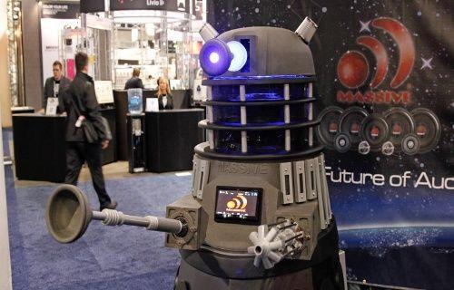 CES 2014: 926 kiloluk canavar Dalek görücüye çıktı!