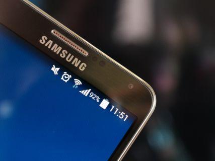 Galaxy S5 ekranı ile büyüleyecek!