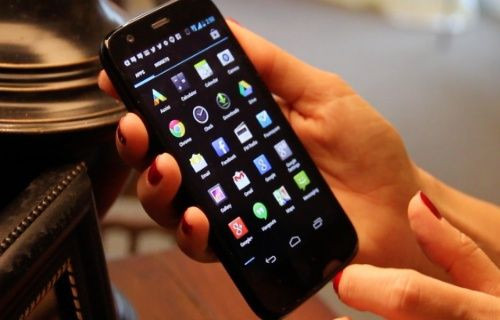 Motorola Moto G su geçirmiyor! (Video)