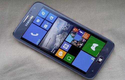 Samsung'un Windows Phone'lu yeni telefonu ortaya çıktı