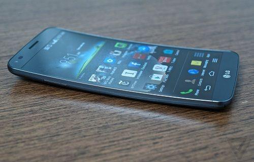 LG G Flex Android 4.4 KitKat ile buluştu