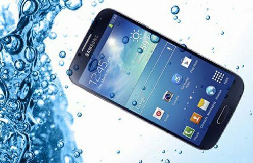 Samsung Galaxy S5'in başından aşağı bir kova buzlu su döküldü!