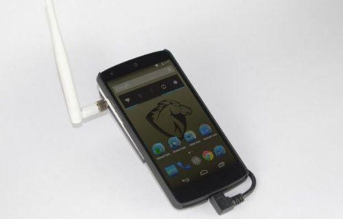 Debian OS'lu Wi Fi hackleyen akıllı telefon