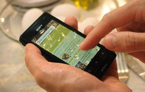 Sony'den su geçirmez düşük donanımlı telefonlar gelebilir