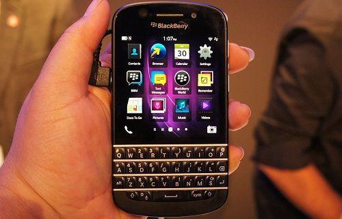 BlackBerry, fiziksel klavyeli telefonlara ana ekran butonu getiriyor