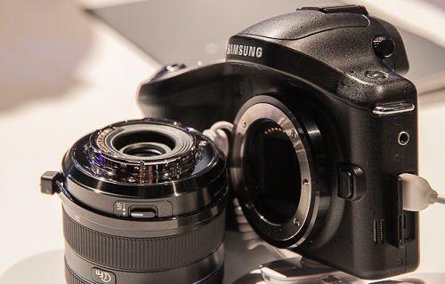 Samsung'un Android tabanlı yeni fotoğraf makinesi: Samsung NX1
