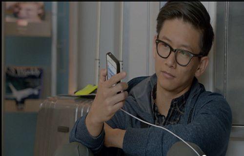 Samsung 'un yeni reklam filmi yine kavga çıkartacak!