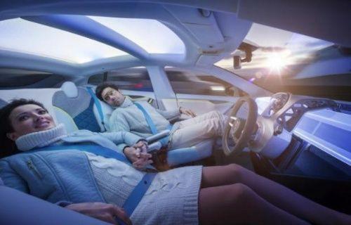 Sürücüsüz otomobiller beklenenden önce yollara çıkabilir!
