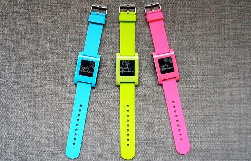 Pebble akıllı saat daha da renklendi