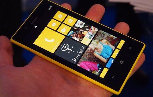 Ön kamerasıyla dikkat çeken Lumia 730 ilk kez görüntülendi