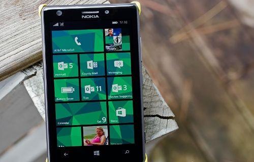 Microsoft, Nokia çalışanlarına işten çıkma karşılığında telefon dağıtacak!