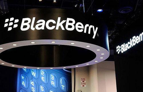 İşte BlackBerry'nin en yeni akıllı telefonu Porsche Design P'9983