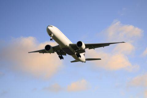Uçak az kalsın iPad oynayan pilot yüzünden Türkiye üzerinde çakılıyordu!