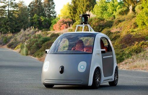 Google'ın kendi giden arabaları direksiyon ve pedal testinden geçecek