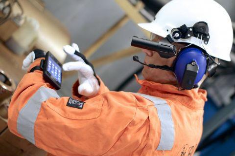 Suya ve toza dayanıklı telefonları unutun, işte patlamalara bile dayanıklı akıllı telefon!