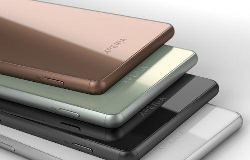 Bakır renkli Xperia Z3 ve SmartBand Talk yan yana