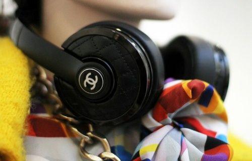 Ünlü giyim firması Chanel, 20 bin TL'lik kulaklığıyla teknoloji dünyasına adım atıyor!