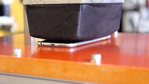 İşte Apple'ın iPhone 6 ve iPhone 6 Plus'ı test ettiği gizli laboratuvar! (Video)