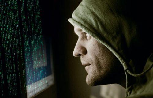 Hırsızlar sizi takip ediyor!
