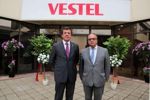 Ekonomi Bakanı Nihat Zeybekci Vestel'in İngiltere'deki yeni merkezini açtı