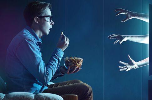 İzlerken çığlık atacağınız 15 korku filmi (Video)