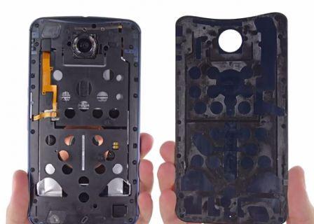 Google'ın Nexus 6 telefonu parçalara ayrıldı