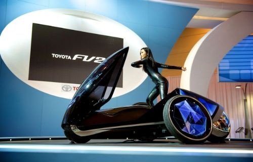 Toyota'dan direksiyonsuz otomobil: Toyota FV2 Concept