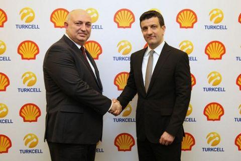 Shell ve Turkcell müşterileri araçtan inmeden SMS ile yakıt alacak