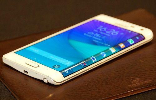 Türkiye, Galaxy Note Edge'e büyük ilgi gösterdi