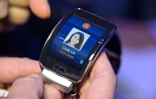 Samsung'dan yuvarlak ekranlı akıllı saat hamlesi geliyor