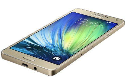 Samsung'un en ince akıllı telefonu Galaxy A7 resmiyet kazandı