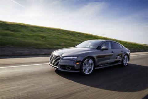 Audi'nin sürücüsüz otomobili yollarda!