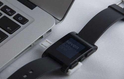 Pebble akıllı saat için 3D yazıcıda mini şarj cihazı geliştirildi