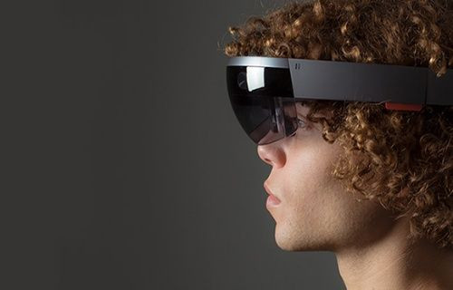 Microsoft'un sanal gözlüğü HoloLens [Video]