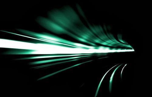 Işık hızını yavaşlattılar!