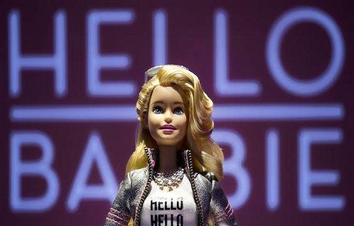 Hello Barbie bebek internete bağlanıyor ve çocuklarla sohbet ediyor