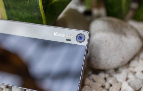 Lenovo Dünyanın ilk üçlü LED flaşlı akıllı telefonu Vibe Shot'ı tanıttı!