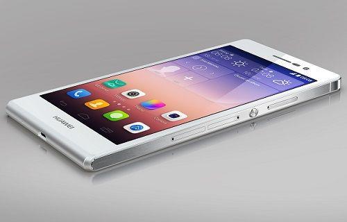 Huawei P8 Lite ince çerçevesiyle dikkat çekiyor