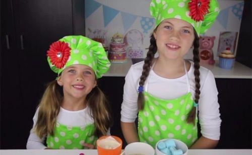 YouTube'un 8 yaşındaki yemek yıldızı ayda 127 bin dolar kazanıyor