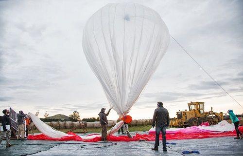 Google, internet taşıyan binlerce balonu gökyüzüne uçurmaya hazır