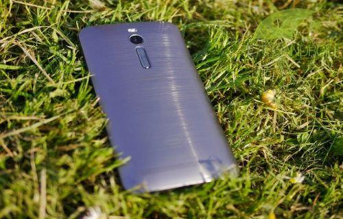 Asus Zenfone 2 ilk Android 5.0 performans güncellemesini aldı